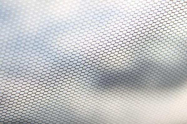 moustiquaire acrylic pouring Cécile Cloarec